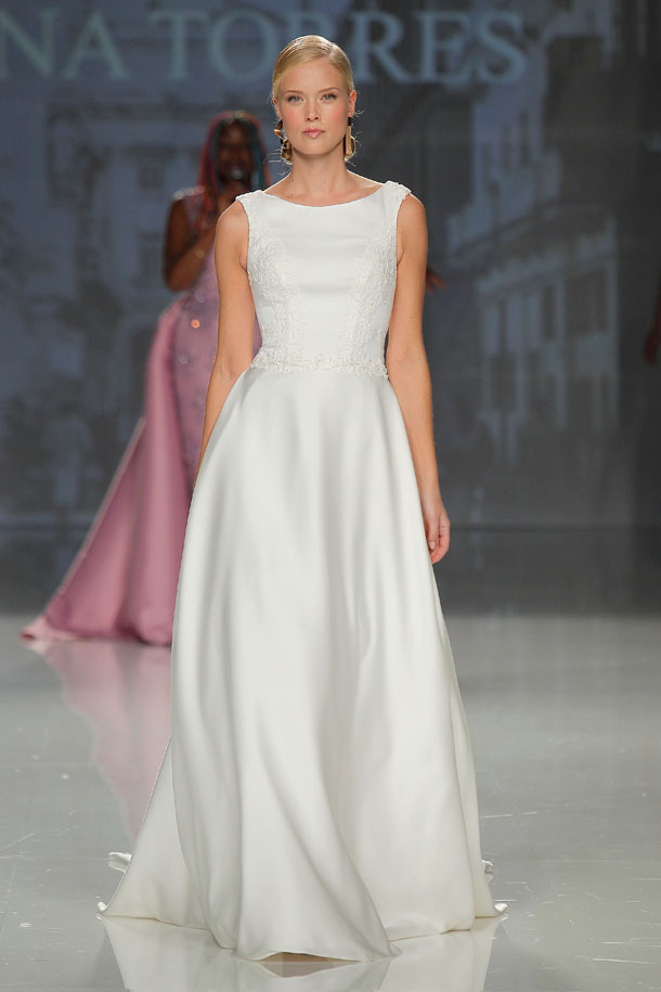 ilovebrides.pt Ana Torres 2018 Barcelona Bridal Fashion Week 2017