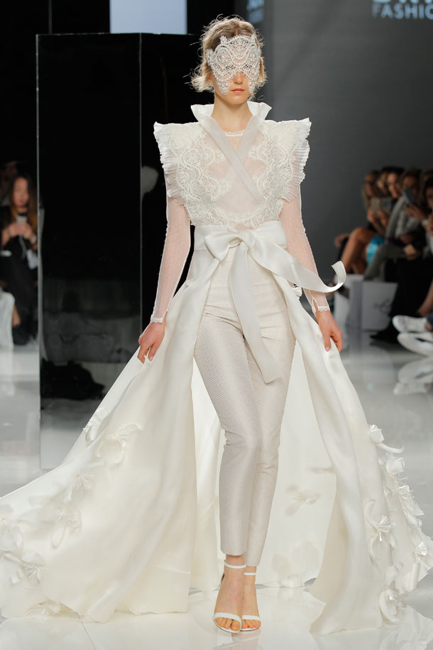 ilovebrides.pt Carla Ruiz 2018 Barcelona Bridal Fashion Week 2017