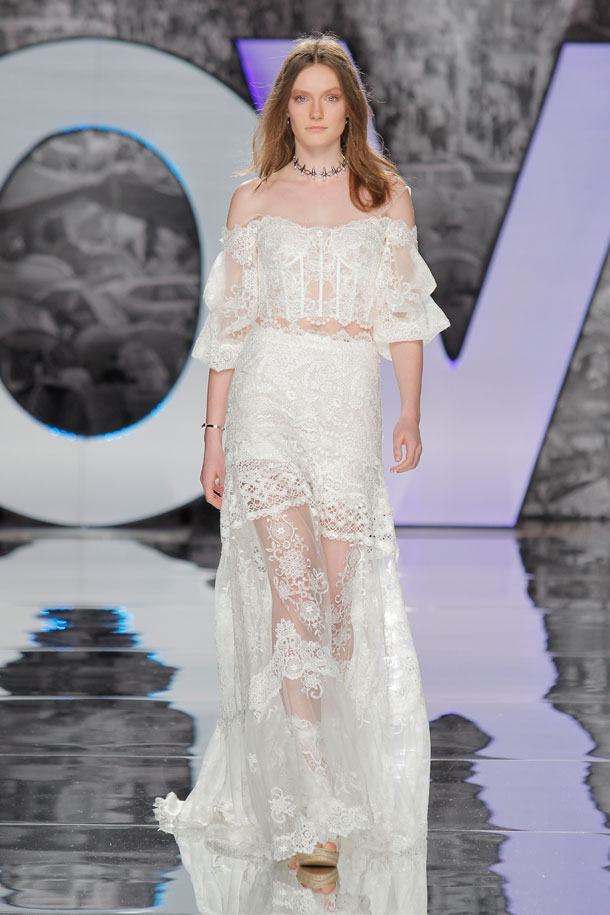 ilovebrides.pt Yolan Cris 2018 Barcelona Bridal Fashion Week 2017